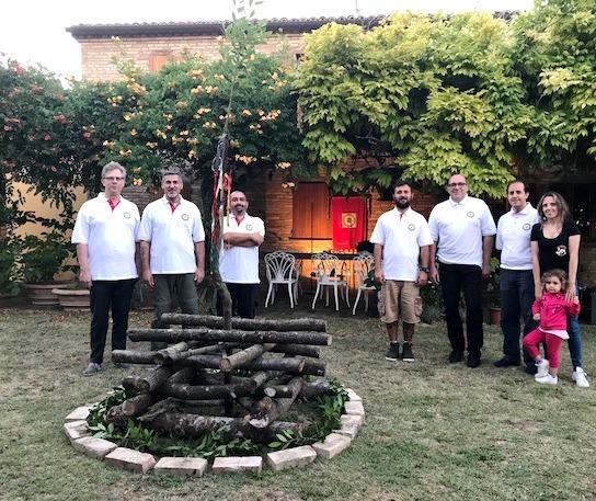 da sinistra Ermes, Daniele, Stefano, Marco, Paolo, Italo, Marina e Elettra