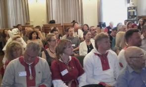 I congressisti Ecer nella sala all'Accademia delle Scienze di Praga (1)