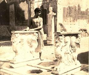 Pluschow,_Wilhelm_von_(1852-1930)_-_Pompei_-_Edoardo_nella_Casa_di_Cornelio_Rufo