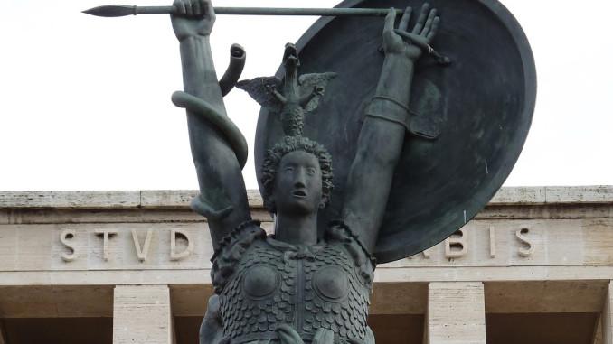 Statua di Minerva alla Sapienza di Roma