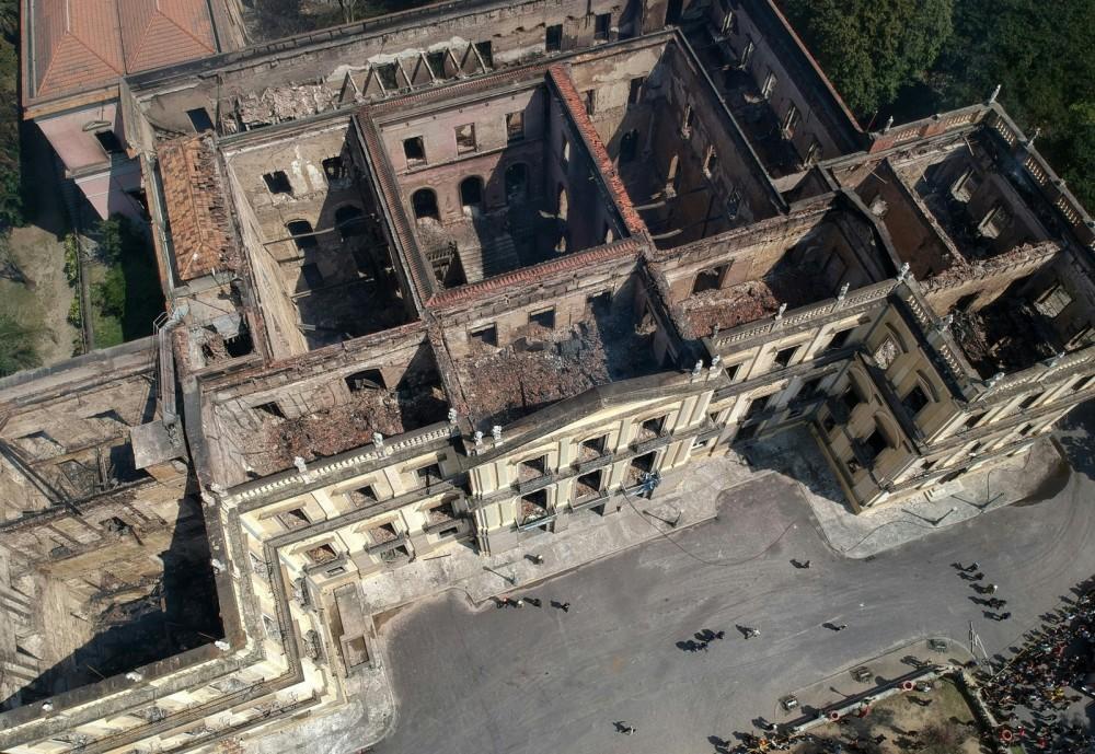 I resti del Museo di rio dopo l'incendio devastante del 3 settembre 2018