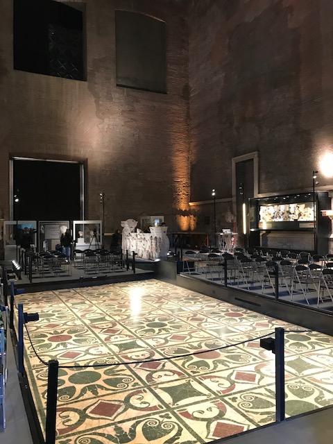 L'interno della Curia Iulia oggi, il senato romano, sede della comfernza stampa di presentazione della riemersione del sarcofago di Romolo