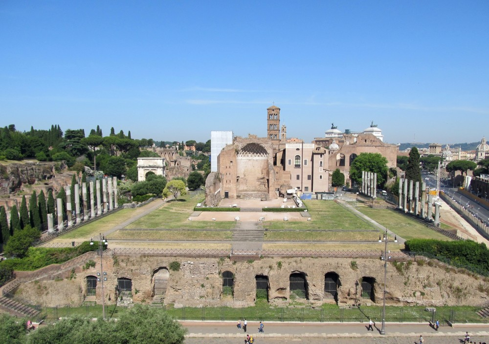 Temple_of_Venus_and_Roma_(14819291950)