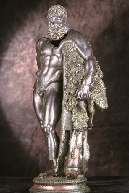 Statua bronzea di Ercole barbuto rinvenuta nel santuario e custodita a Chieti