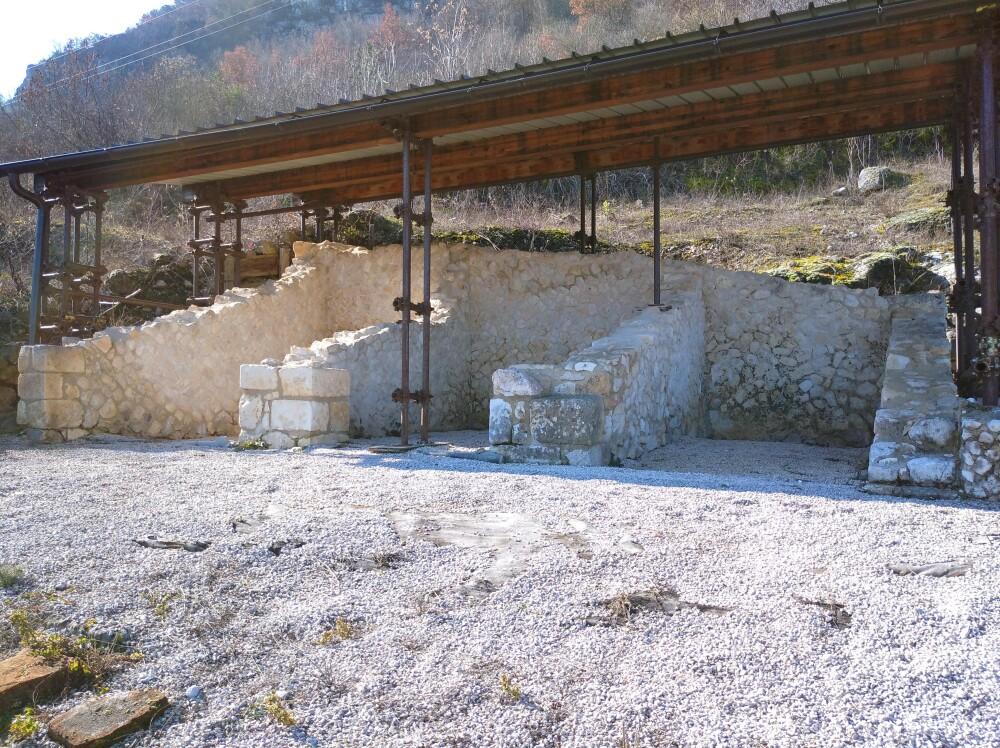 I resti dei tre templi di Angizia
