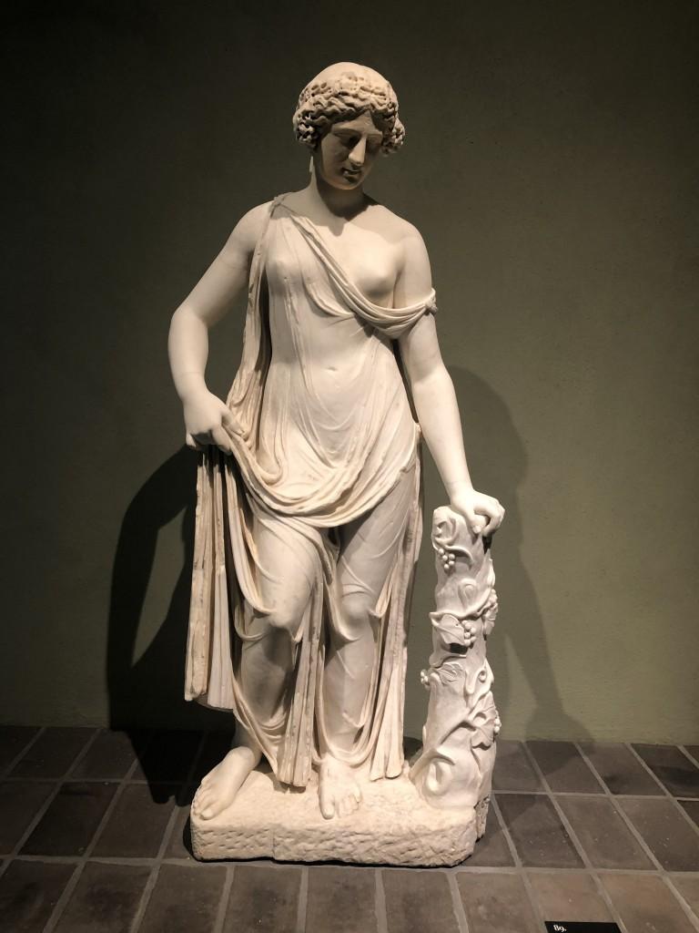 Statua di Ninfa detta Baccante Carpi