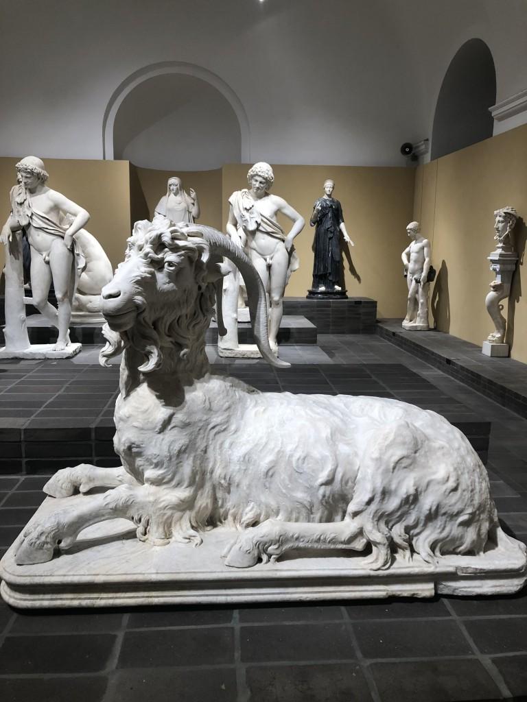 Statua di caprone