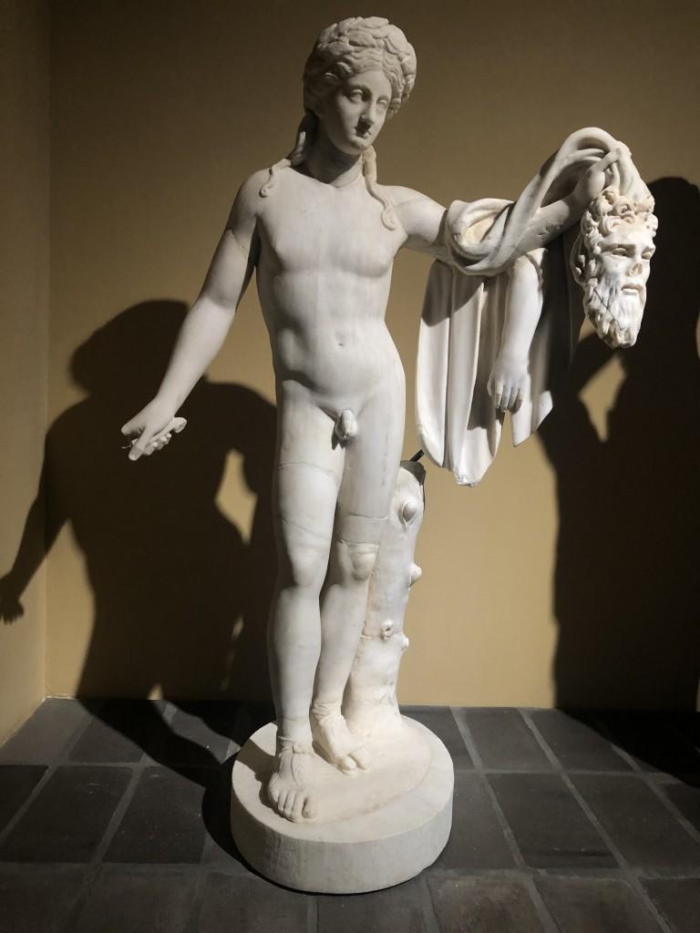 Statua di Apollo con pelle di Marsia