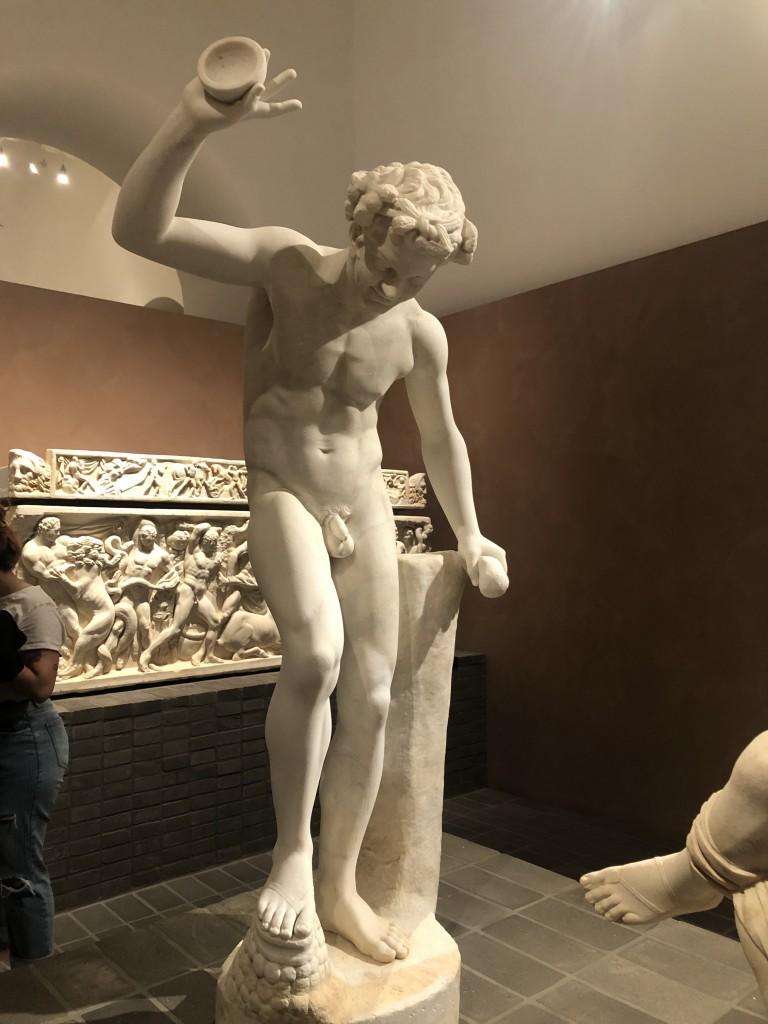 Statua di Satiro, replica dal gruppo dell'Invito alla danza